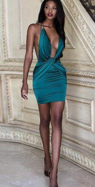 Sleeveless sexy dress for party