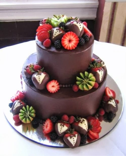 csokoládé-gyümölcs torta.