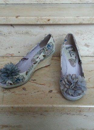 Kaufe meinen Artikel bei #Kleiderkreisel http://www.kleiderkreisel.de/damenschuhe/wedges/144565843-wedges-keil-peeptoes-38-bunt-blumen