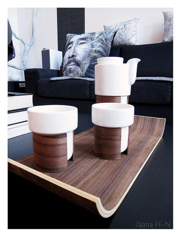 http://www.aitonordic.it/collections/protti-per-cucina-e-per-tavolo/products/warm-set-regalo-teiera-caffettiera-tazze-tonfisk-design