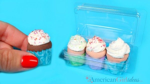 DIY American Girl Doll Cupcakes I was playing around with a few small empty packages that were from craft supplies like beads, buttons and brads, when I thought it would be fun to use themas doll food packages. I brainstormed with them for a little while and decided they would be perfect to hold the …