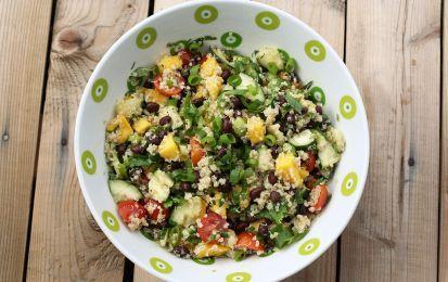 Insalata di quinoa con avocado e mango - Ecco una gustosa insalata per cucinare la quinoa, per prerare una insalata con della frutta, un piatto salato da servire come antipasto oppure come primo