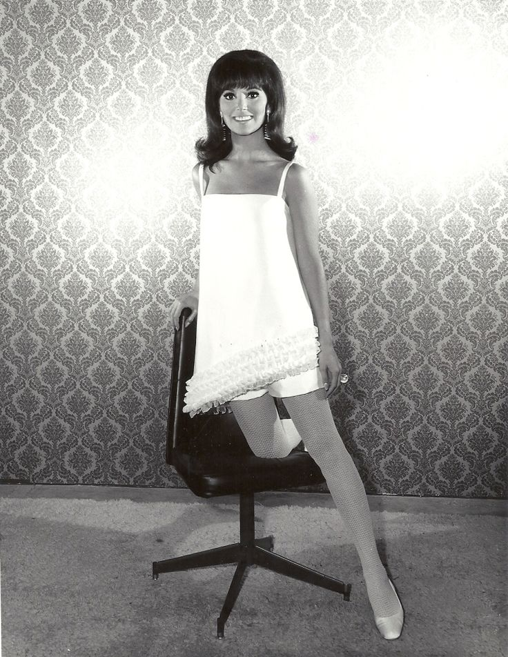 Fashion Show: From That Girl To This Woman Marlo Thomas was sooo adorable and petite!