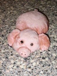 brooddeeg met roze verf erdoor