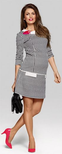 Modelul si patternul acestei rochii de gravide este sinonim cu clasic si elegant. Rochia Miss Chic, potrivita deopotriva si pentru gravide si pentru mamici, este creata in stilul anilor 60, totusi cu un aer trendy potrivit si unei tinute office. Accesorizata potrivit, tinuta isi poate schimba usor aerul clasic in unul foarte slylish si cool.
