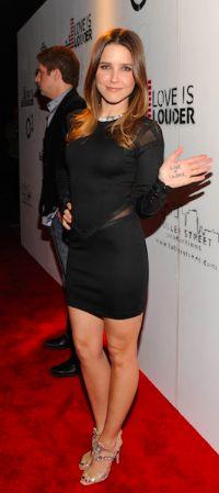 Quel chic naturel pour Sophia Bush!