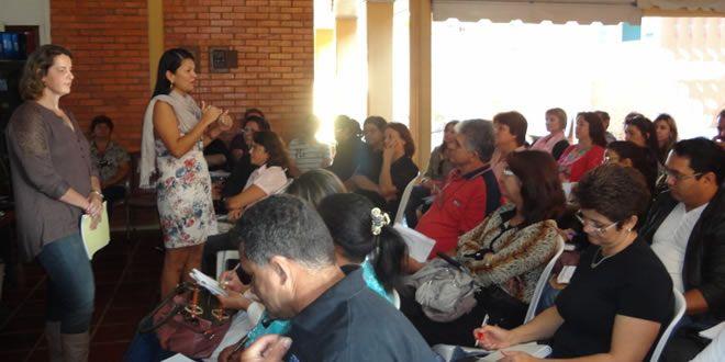 Equipe do SERE do NRE de Jacarezinho realiza reunião do censo escolar  - http://projac.com.br/noticias-educacao/equipe-do-sere-do-nre-de-jacarezinho-realiza-reuniao-do-censo-escolar.html