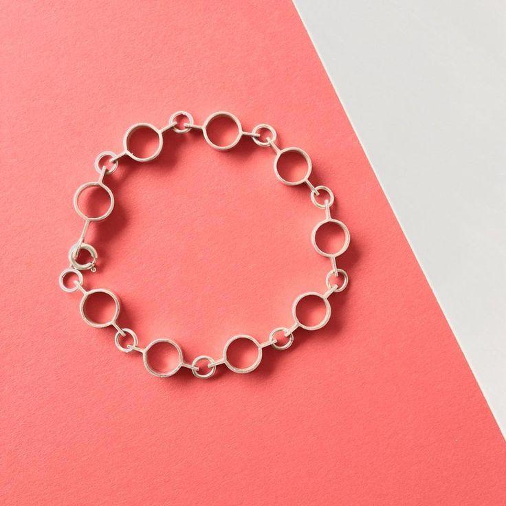 Silver bracelet designed in 1972 by Jorma laine for #Kultateollisuus #modern #jewelry #silver #geometric #minimalist #midcenturymodern #finnishdesign #finnishjewelrydesign #vintage #jormalaine #bracelet #nordicjewelry #vintagejewelry #1970s #classicdesign #Finland #suomi #koru #helsinki #hopea