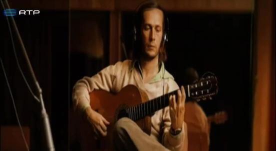 Este ano, o mestre da guitarra Paco de Lucía é homenageado com a exibição de um documentário feito pelo filho e que recebeu o Prémio Goya de 2014.