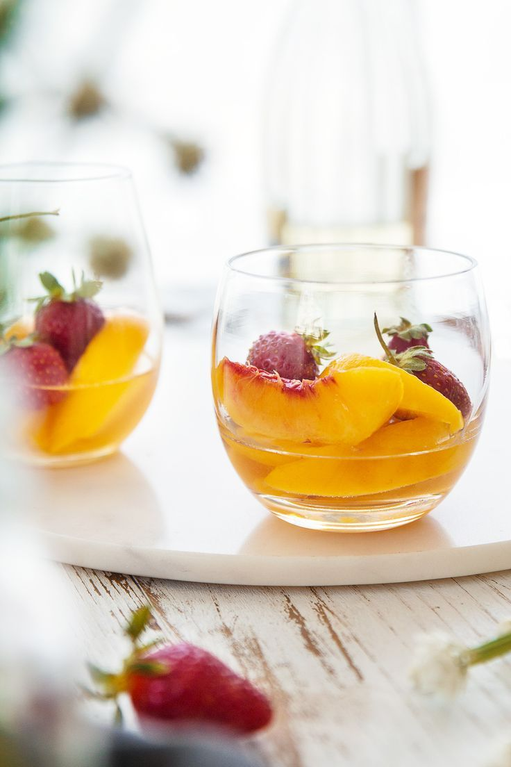 Peaches in Muscat Wine