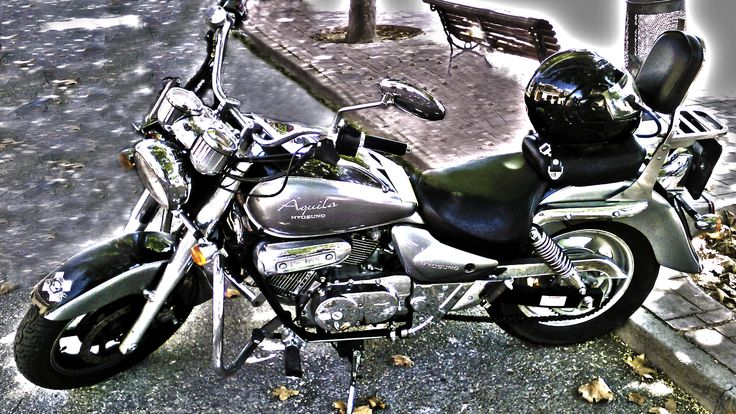 Veloz caballo de acero....  Foto retocada en HDR