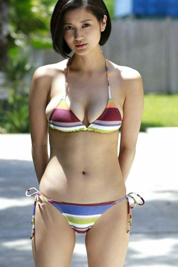 skimpy-asian-bikini-kajol-real-nude