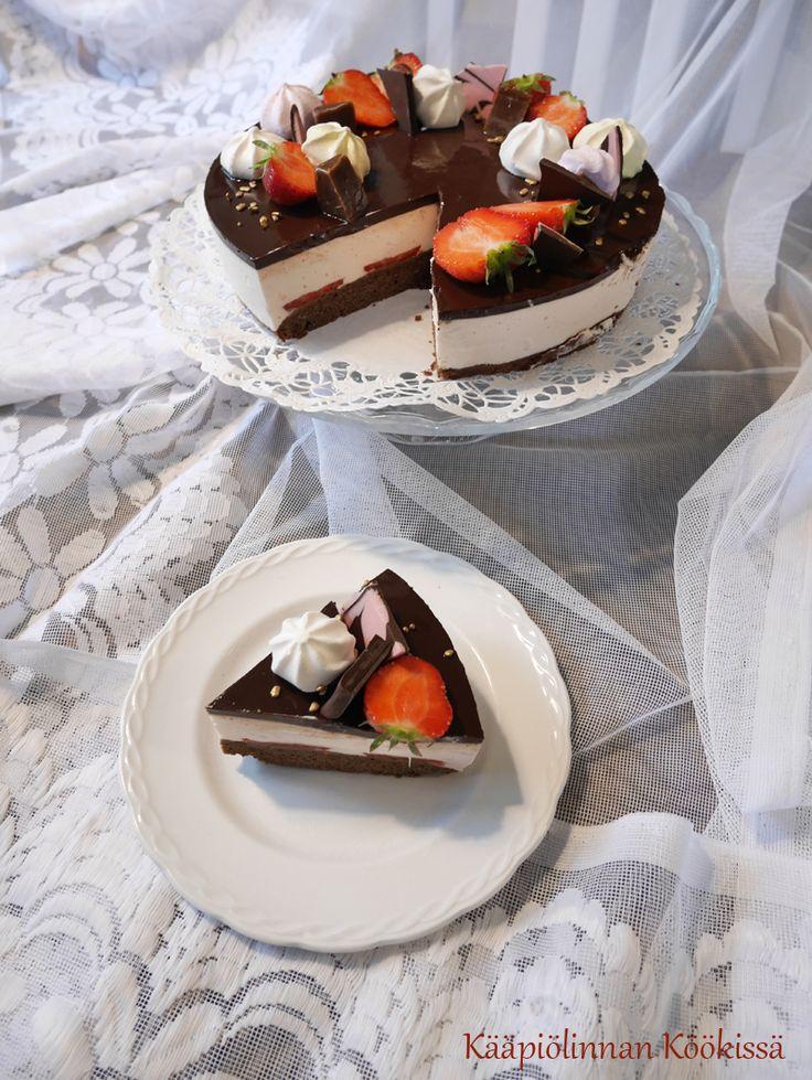 Kääpiölinnan köökissä: Esittelyssä elämysten Juustoportti (raikkaan mansikkajogurttikakun kera) ♥