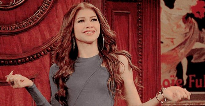 Zendaya Talked About The Time She Ran Shit In A Room Full ...