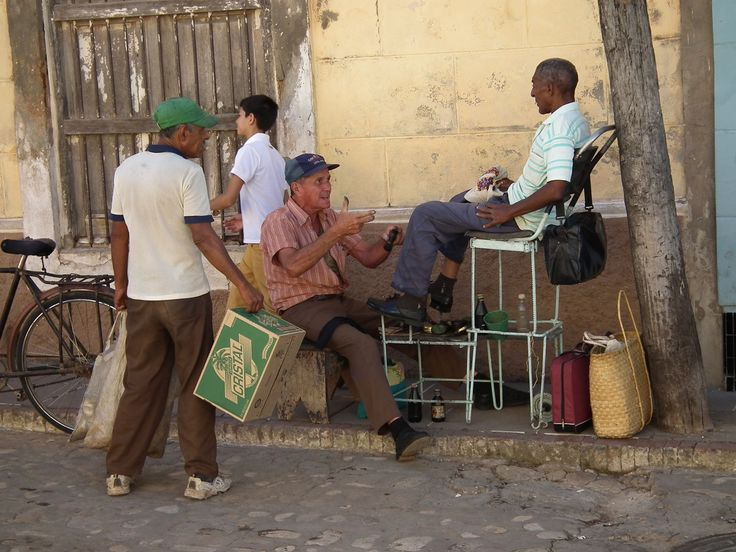 7 marcas de zapatos cubanos (+fotos) #zapatos #moda #recuerdos #cuba #cubanos http://www.cubanos.guru/7-marcas-de-zapatos-cubanos-fotos/