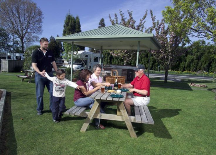 Amber Park Motel & Caravan Park is set in 2.5 acres of attractive, landscaped grounds which offers a restful setting. Guests can experience this small city park, with its personal service and attention to detail, to make your visit to Christchurch a memorable one.