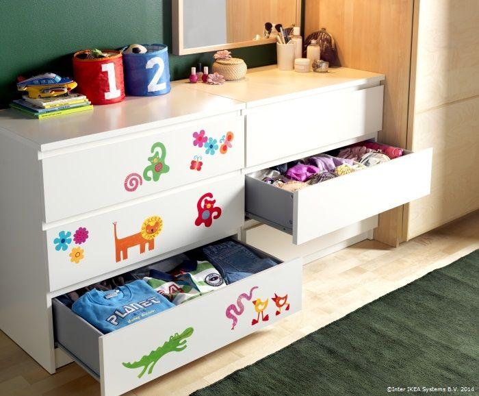 Comoda MALM este locul preferat de odihnă ale hăinuțelor celor mici. :)  www.IKEA.ro/comoda_MALM