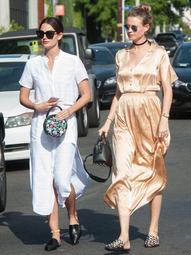 """ヴィクシーエンジェルの注目トレンドは""""スリッパ"""" リリー・オルドリッジ(Lily Aldridge)、ベハティ・プリンスルー(Behati Prinsloo)の私服ファッション"""