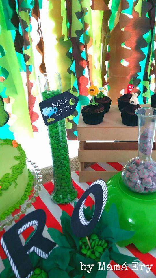 Plants vs. Zombies Birthday Party Ideas | Photo 2 of 45