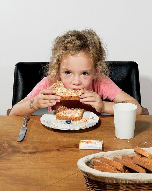 Считается, что завтрак — самый важный прием пищи. Давайте взглянем на многообразие продуктов, которые едят по утрам дети из разных стран. Если вам надоели кукурузные хлопья, йогурт и омлет, то советую позаимствовать ...