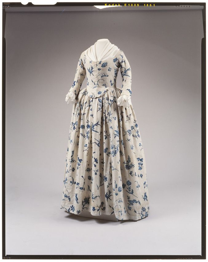 Gown, blue floral pattern on cream ground. Copperplate printed linen. Worn by Deborah Sampson, possibly as her wedding dress. Date:	 1760-1790