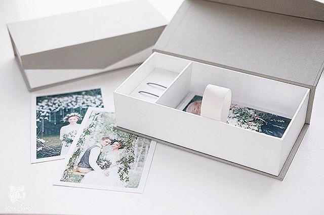В наличии короба в сером цвете! Кому? #usbbox #korabook #упаковкафотографа #weddingbox #photobox #graywedding