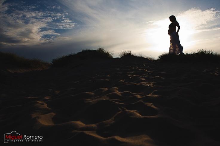 Miguel Romero Fotografía de embarazada en el saler, Valencia www.fotomiguelromero.es