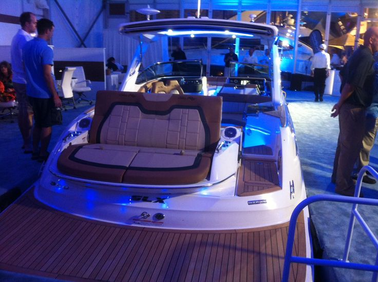 The New Sea Ray 350 SLX Lights Up At The Fort Lauderdale