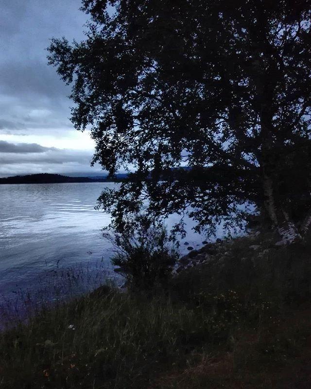 #Norwegen#norway#norge#rosendal #hardanger #fishing #sommar #kesä#cottage #mökki #night #scandinavia #scandinaviangirl #skandinavien #norja #hyvääyötä #nature #visitnorway #norges_fotografer