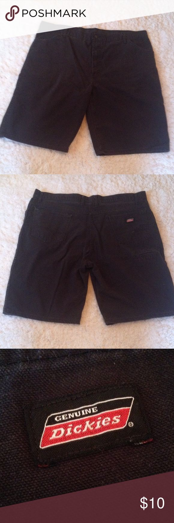Men's Black Dickies Shorts Black. Size 40. Back and front pockets. Mens Dickies Shorts Cargo