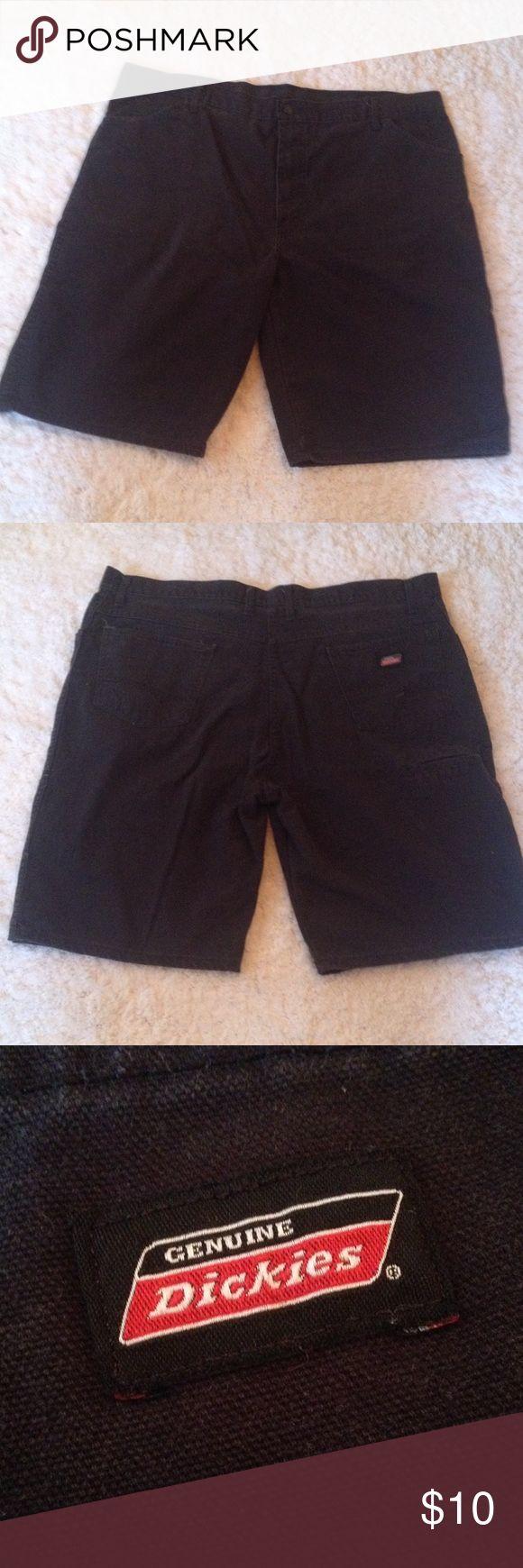 Men's Black Dickies Shorts Black. Size 40. Back and front pockets. Mens Dickies Shorts Cargo