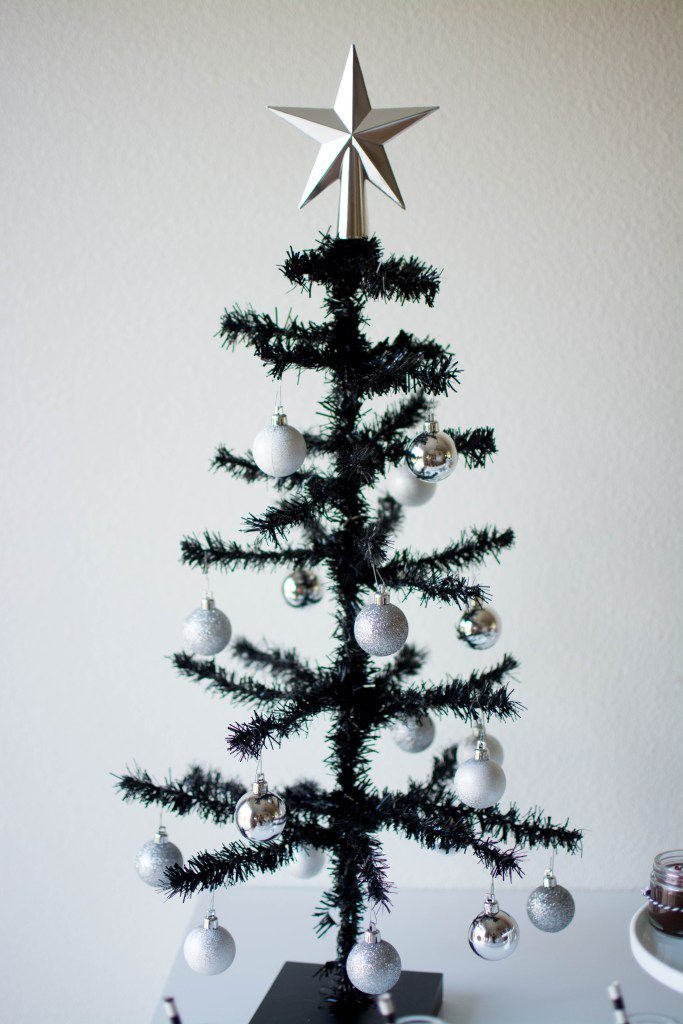 12 Black Christmas Tree Ideas For Those Dreaming Of A Black