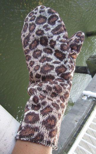 Animal Print Cheetah Fleece Lined Mitts by EarthyEcoStyle on Etsy, $12.50