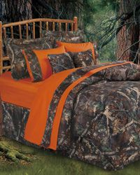 Oak Camo Comforter Set - Bet the boys on Duck Dynasty would like these.