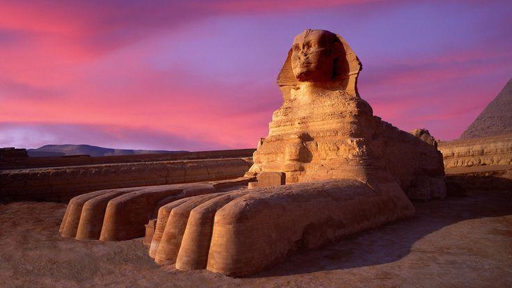 Sfinge di Giza; ritratto del Re Kefren a guardia della sua tomba; 2590 a.C. circa; pietra calcarea