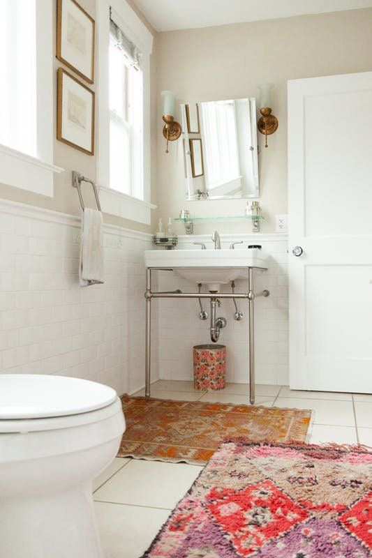 """Look We Love: Using Real Rugs in the Bathroom 