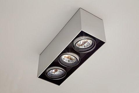 SAMBA Sobrepor orientável com sistema de giro orbital, com tecnologia LED integrada ou lâmpadas convencionais. Uso interno. Corpo em alumínio com acabamento em pintura pó epóxi por processo eletroestático. Anel antiofuscante e blackout pretos. Os modelos LED incluem driver.  #lightdesignexporlux #lightingdesign #iluminacao #luminarias #lightdesign