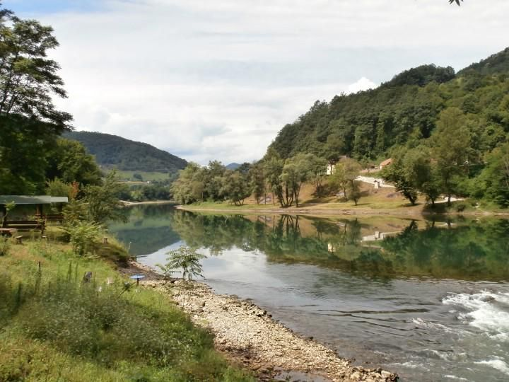 Čarobna reka #Drina #SrbijaJeNajlepsa Vredni pokloni čekaju najbolje radove, pozovite prijatelje da šeruju vaše slike
