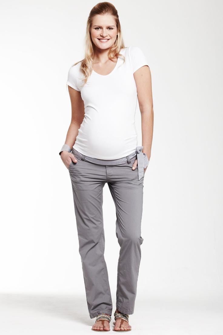 Casual et tendance, grâce au pantalon de grossesse coupe chino ESPRIT MATERNITY