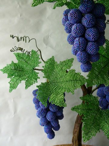 """Step 2 - Master-class """"Grapes from beads"""" part 1"""