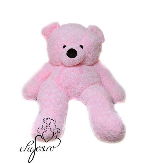 Fetele iubesc rozul, daca si iubita ta adora aceasta culoare, atunci acest ursulet de plus cu inimioare va fi cadoul perfect de care isi va aminti cu dragoste.