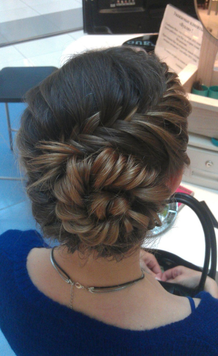fishtail bun.  I wonder if I could do this to MY OWN hair.: French Braids, Hairstyles, Long Hair, Beautiful, Fishtail Buns, Fishtail Braids, Hair Style, Updo, Braids Buns