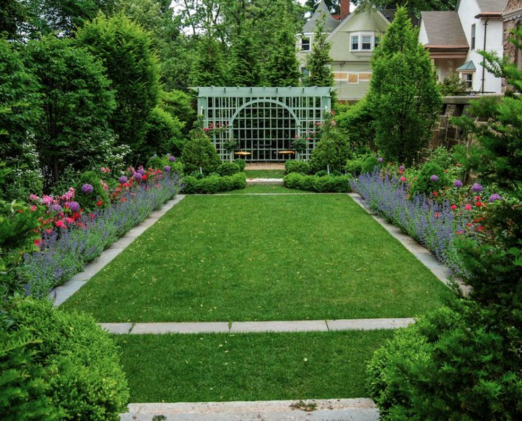 25 seriously jaw dropping urban gardens landscaping along fencegarden