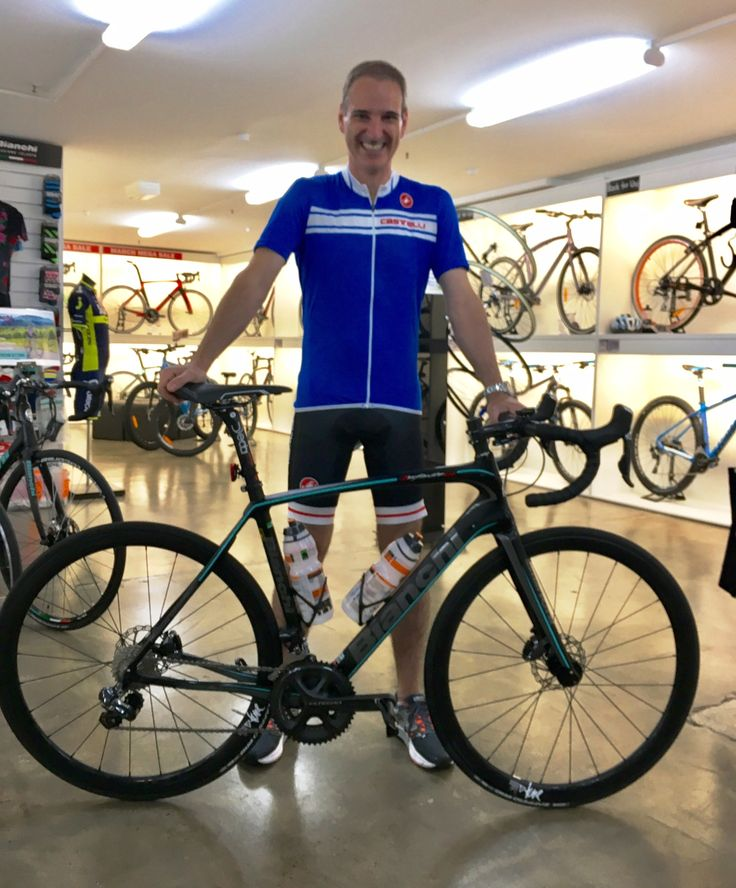 Mark and his custom built Bianchi Infinito CV Di2 Disc