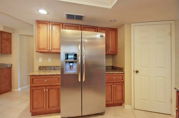 14 best kitchen and restroom wall images on pinterest for Cinnamon colored kitchen cabinets