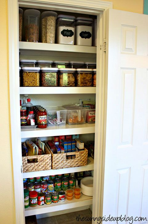 IHeart Organizing: Blogger Spaces: Organized Pantry Round-Up!