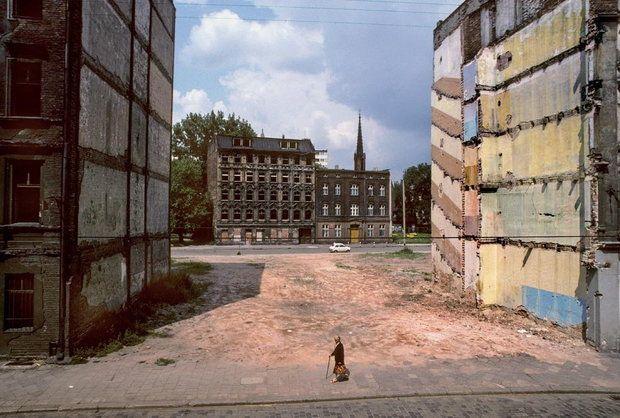 Wrocław - Zniszczenia 1982, fot. Chris Niedenthal / (C) Wydawnictwo BOSZ
