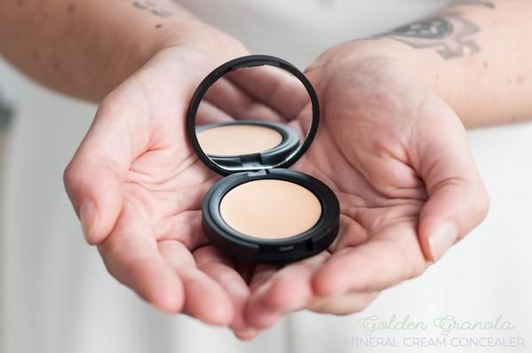 Pure Mineral Cream Concealers by Batty's Bath | Acne prone skin safe | won't clog pores | lightweight | coverup | natural beauty | green beauty | cruelty free cosmetics | vegan makeup | 100% Natural | peta approved | for light skin | for medium skin | for dark skin