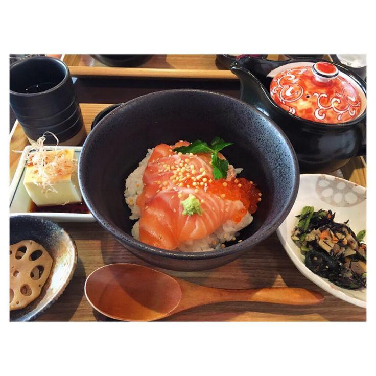 国内の旅行先として人気の古都「京都」。金閣寺や清水寺といった歴史ある観光地は欠かせませんが、せっかくならグルメも堪能したいですよね。特にランチは計画的にお店を決めておきたいところ。今回は京都でおいしいランチのお店を21店舗紹介します。 (10ページ目)