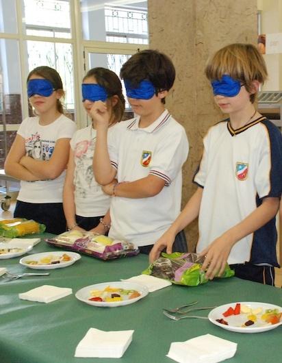 Cata a Ciegas Día Nacional de la Nutrición. En el Colegio Nuestra Señora de Lourdes (Valladolid)